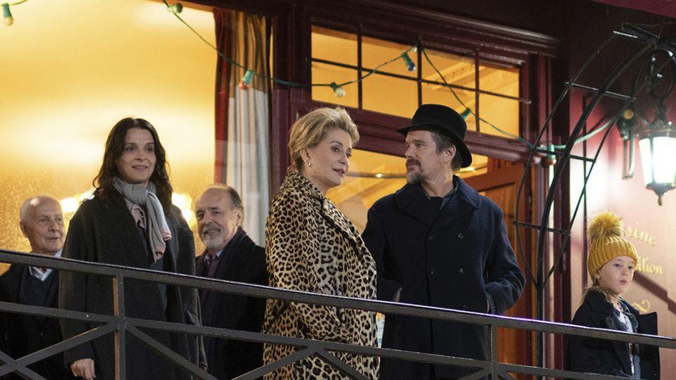 แคทเธอรีน เดอเนิฟ กับ จูเลียต บินอช โชว์ฝีมือการแสดงระดับตัวแม่ใน The Truth