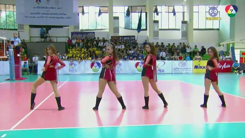 4 สาวโชว์สเต็ปแดนซ์ ก่อนแข่งวอลเลย์บอลแชมป์กีฬา 7 สี รอบรองฯ