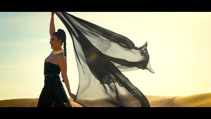"""""""จอย บียอนด์"""" คัมแบ็ค ทุ่มทุนลุยแดด ถ่าย MV """"สตรีอินเทรนด์"""" กลางทะเลทราย กำนัลแฟนเพลง"""
